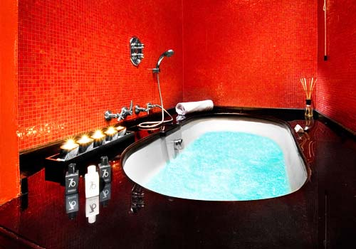 Camera Jacuzzi Suite
